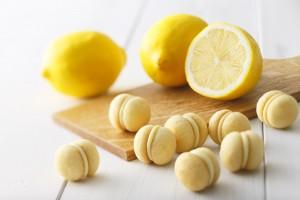 キリンレモンサンドクッキー_イメージ_カットボード_レモン_低画像 (2)